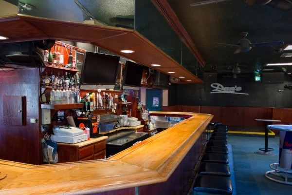 dans-bar-walnut-creek-interior-3