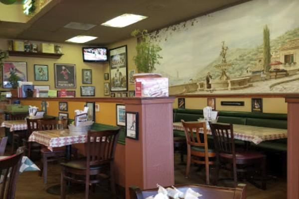 roccos-ristorante-pizzeria-walnut-creek-interior-3