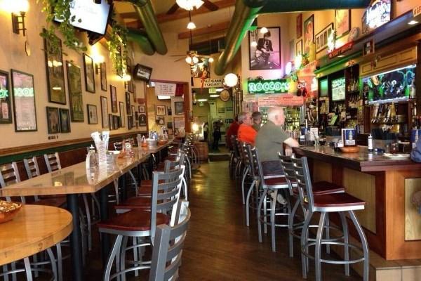 roccos-ristorante-pizzeria-walnut-creek-interior-5