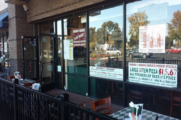 roccos-ristorante-pizzeria-walnut-creek-outside-1