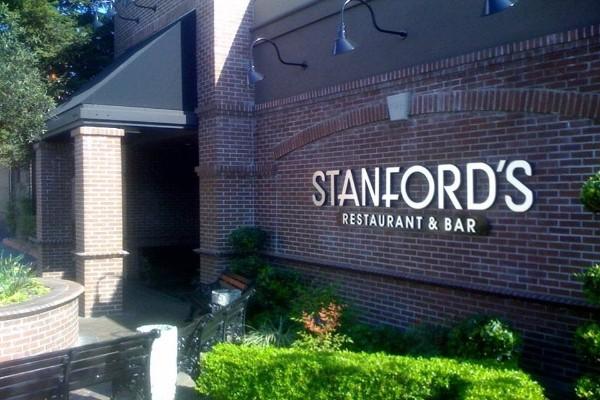 stanfords-walnut-creek-outside-1