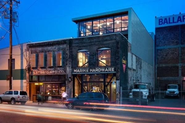 the-walrus-and-the-carpenter-seattle-exterior-1