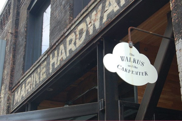 the-walrus-and-the-carpenter-seattle-exterior-3