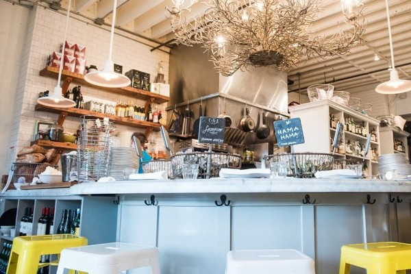 the-walrus-and-the-carpenter-seattle-interior-3