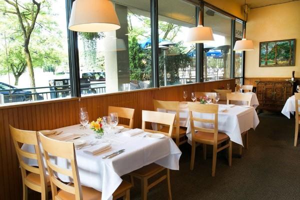 nells-restaurant-seattle-interior-3