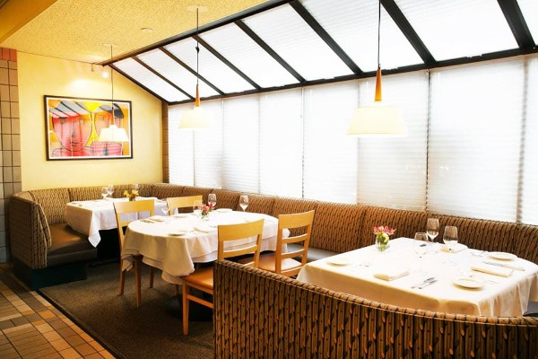nells-restaurant-seattle-interior-4