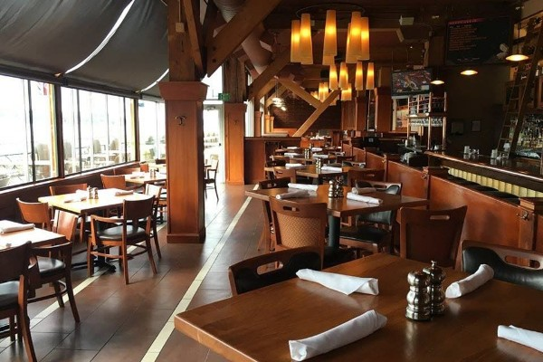 elliotts-oyster-house-seattle-interior-1a