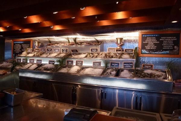 elliotts-oyster-house-seattle-interior-5