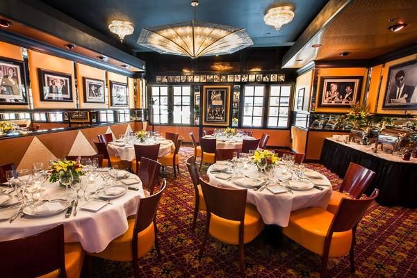 jeff-rubys-steakhouse-cincinnati-interior-8