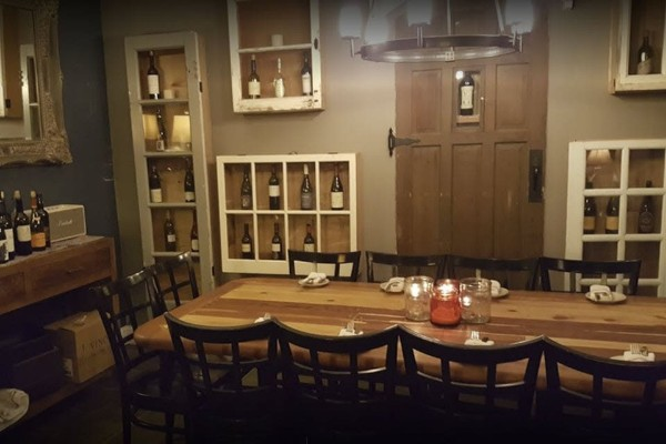the-hideout-kitchen-lafayette-ca-interior-5