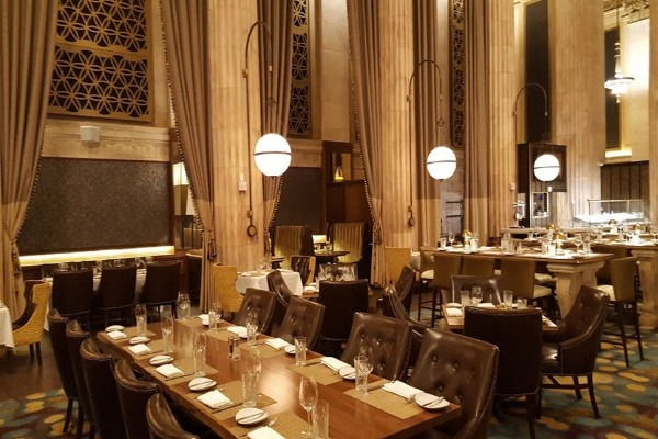 marble-room-steaks-and-raw-bar-cleveland-interior-1