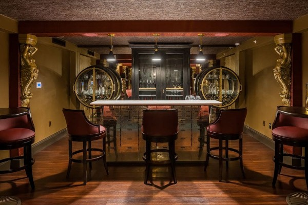 marble-room-steaks-and-raw-bar-cleveland-interior-12