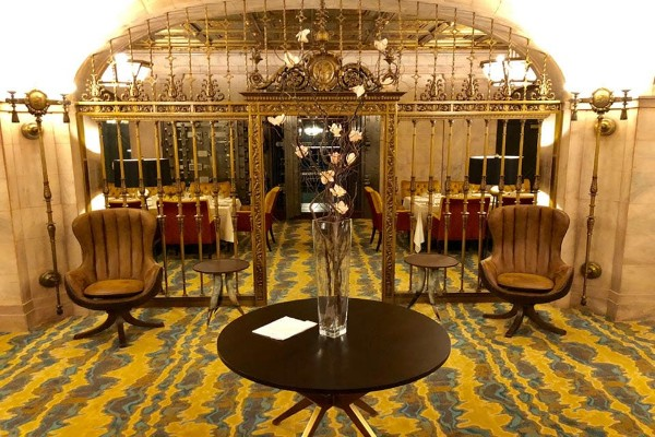 marble-room-steaks-and-raw-bar-cleveland-interior-13