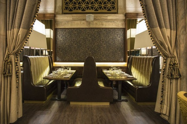 marble-room-steaks-and-raw-bar-cleveland-interior-3