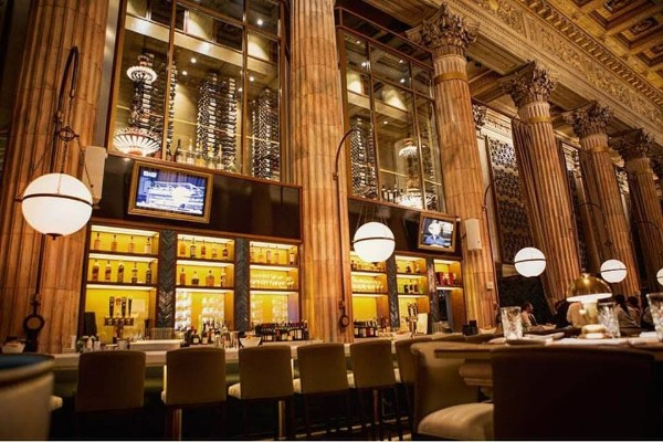 marble-room-steaks-and-raw-bar-cleveland-interior-7