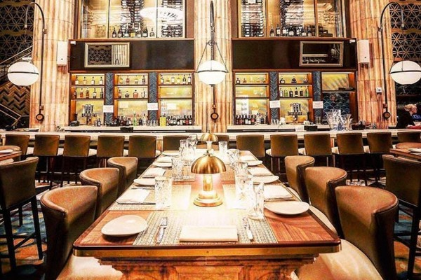 marble-room-steaks-and-raw-bar-cleveland-interior-9