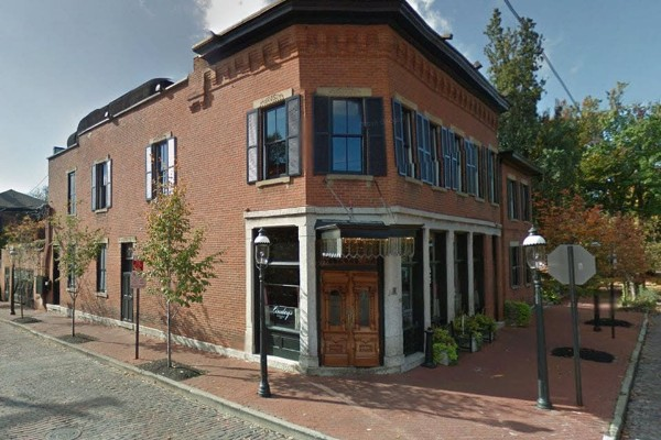 lindeys-restaurant-and-bar-columbus-exterior-2