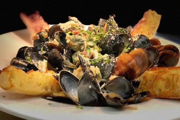 lindeys-restaurant-and-bar-columbus-food-3