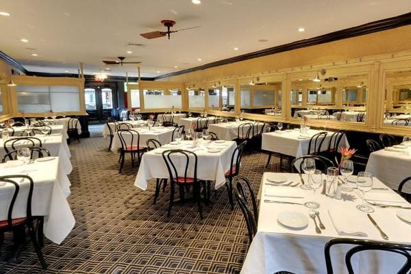 lindeys-restaurant-and-bar-columbus-interior-1