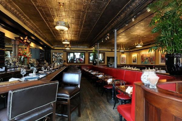 lindeys-restaurant-and-bar-columbus-interior-5