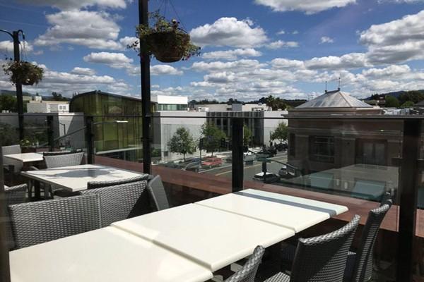 rooftop-restaurant-walnut-creek-interior-8
