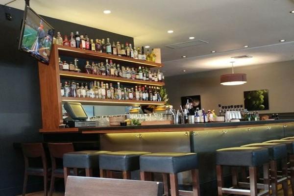 revel-kitchen-and-bar-danville-interior-3