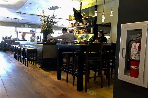 revel-kitchen-and-bar-danville-interior-4