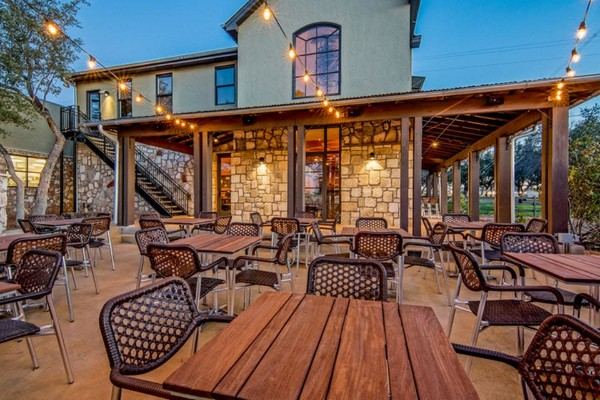 apis-restaurant-and-apiary-austin-outside-1