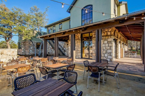 apis-restaurant-and-apiary-austin-outside-2