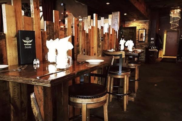 zesti-restaurant-hartland-wi-interior-4