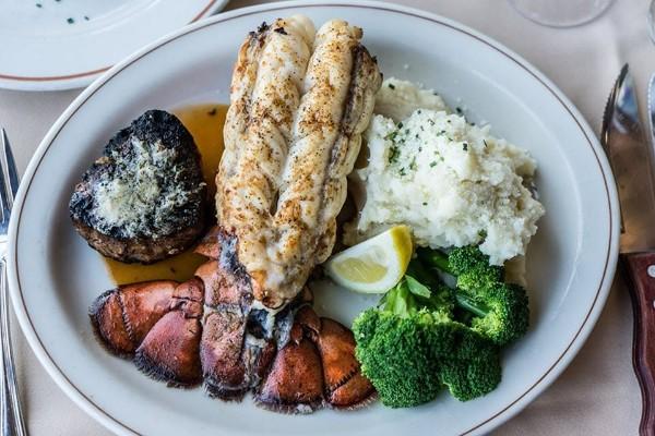 daniels-broiler-downtown-seattle-wa-food-2