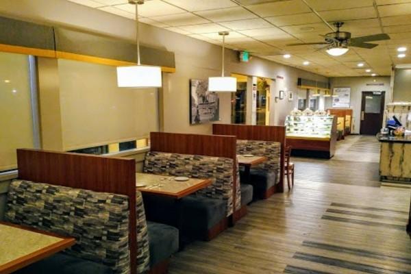 buttercup-diner-walnut-creek-ca-interior-2
