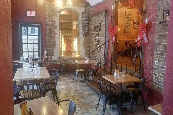 2mesa-mexican-eatery-milwaukee-wi-interior-8