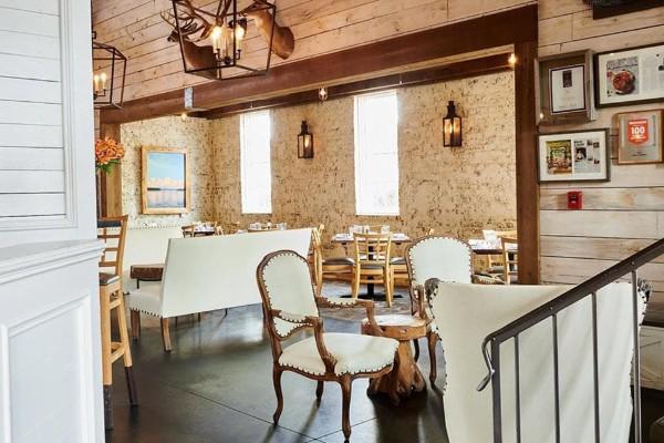 acre-restaurant-auburn-al-interior-2