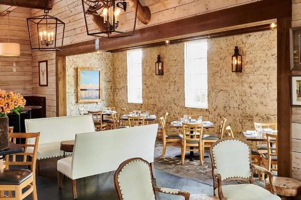 acre-restaurant-auburn-al-interior-6