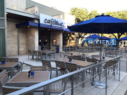 cafe-blue-classic-seafood-and-oyster-bar-austin-tx-exterior-2