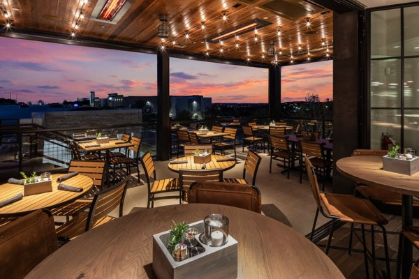 carve-american-grille-austin-tx-outside-1