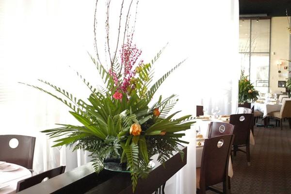 m-restaurant-and-bar-columbus-oh-interior-2