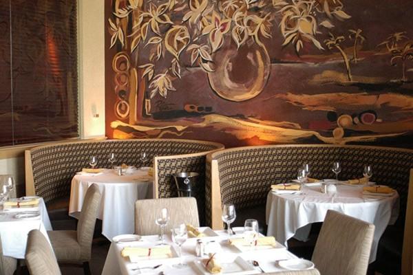 m-restaurant-and-bar-columbus-oh-interior-3