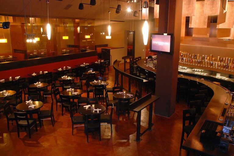 tap house grill seattle wa interior 1 768x512